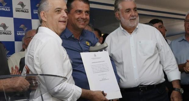 Em São Carlos Marcio França libera R$ 200 mil para Trabiju
