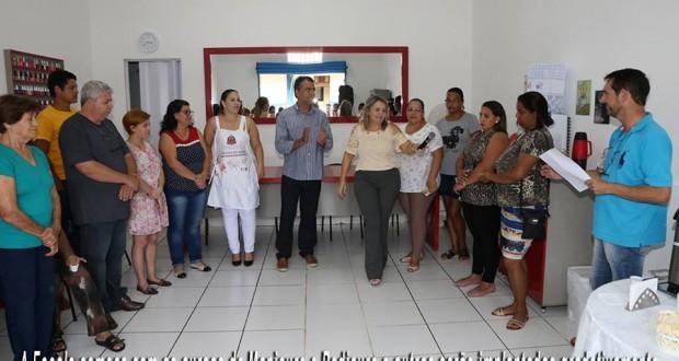 Fuss de Trabiju inaugura Escola de Beleza