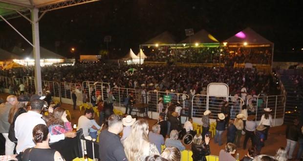 Festa do Peão de Portões Abertos agita Trabiju durante quatro dias