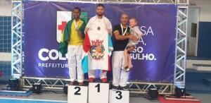 Karate de Trabiju conquista Ouro no Paranaense e no Sul-americano de Karate
