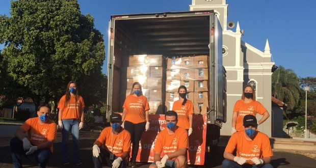 Premier Pet distribui cestas básicas em Trabiju